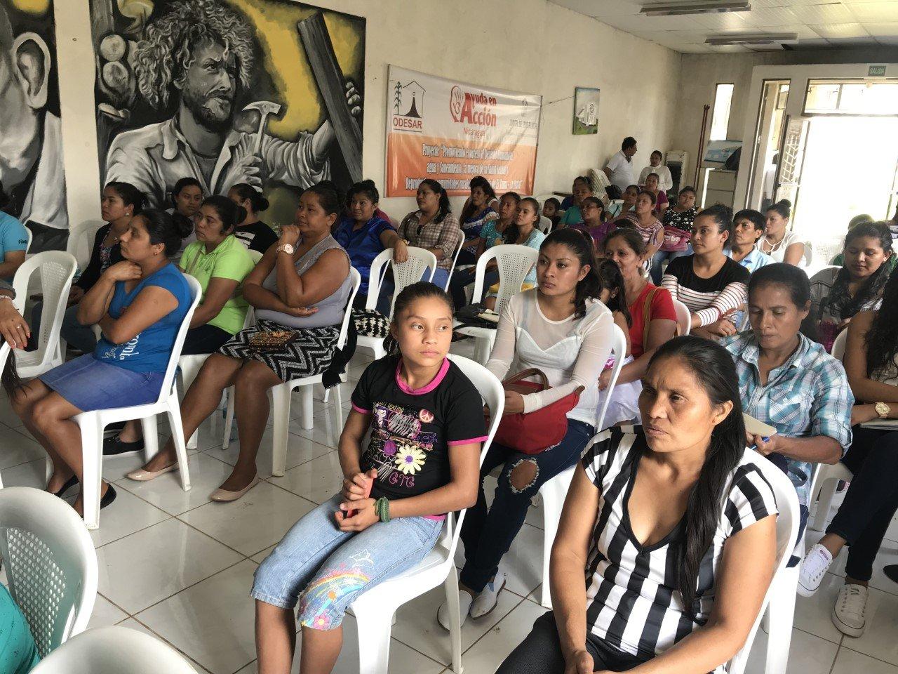 Compartiendo experiencias sobre la contribución femenina a la gestión comunitaria del agua en Nicaragua