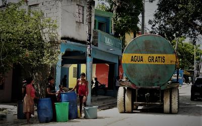 De un vistazo: dos horas sobre Derechos Humanos al Agua y al Saneamiento (webinar)
